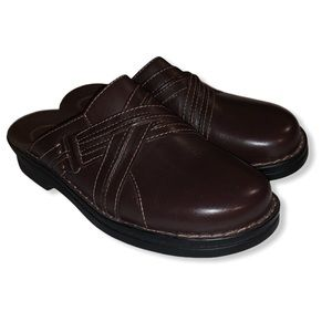 Clark's brown leather cross buckle slip on loafers